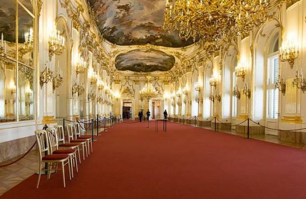 LA grande galleria schonbrunn